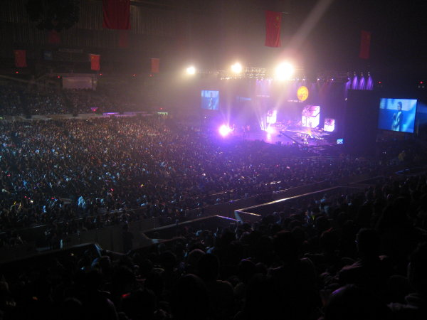 Sold-Out Cow Palace, San Francisco - Scott Stephens
