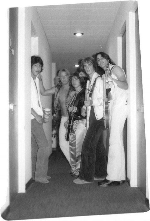 Backstage: Sklar, Stephens, Vangerov, Hand, Stoekli - Electric Warrior band